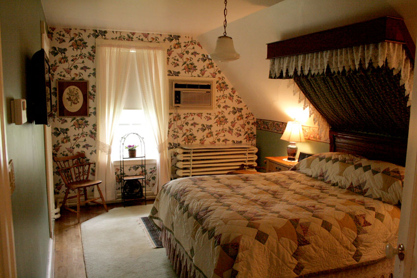 先ほどのスイートの主寝室。このキルトはオーナー婦人の手縫い!