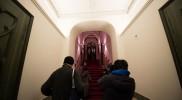 扉を開けるとこの階段!