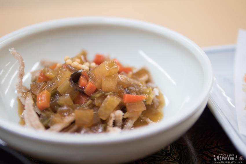揚げそばの野菜あんかけは食感も美味しい